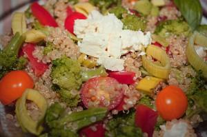 salat z quinoy